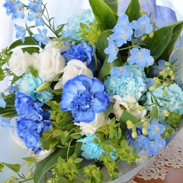 大人のブーケ BlueWhite (カーネーションの花束)ブルー系 誕生日、結婚記念日、お祝い、歓送迎(送別、歓迎)、退職祝い、発表会