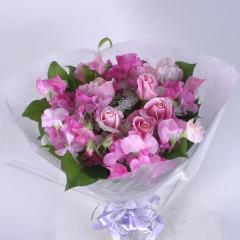 ピンクバラとスイ-トピ-の花束(B104)