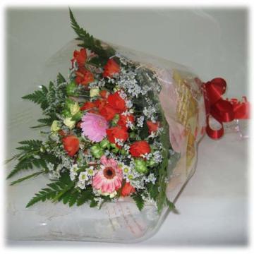 バラの入った豪華花束