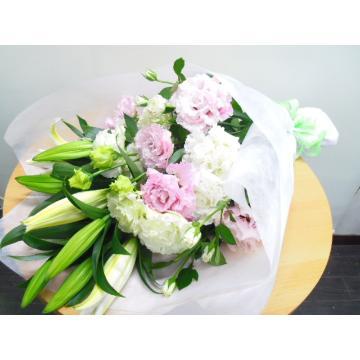 ユリとトルコギキョウの花束