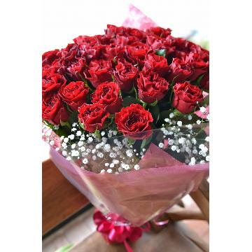 【花束】ゴージャス!バラとカスミ草の花束