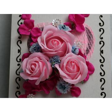 LEDフレームにフレグランスのバラ ピンク