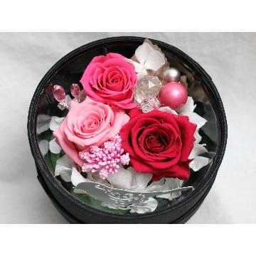 <フジテレビフラワーネット> 宝石箱にピンクのバラ3輪画像