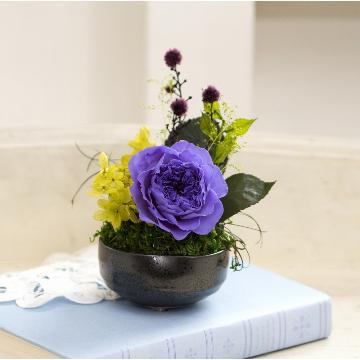 <フジテレビフラワーネット> 和プリザーブドフラワー「八重薔薇・藤紫」画像