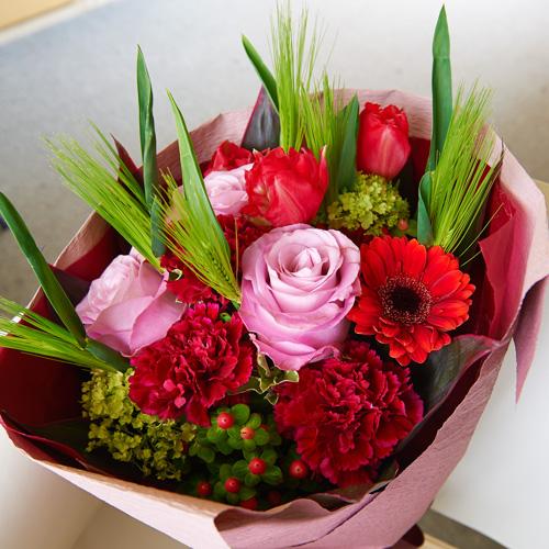 <フジテレビフラワーネット> バラとチューリップの春の花束